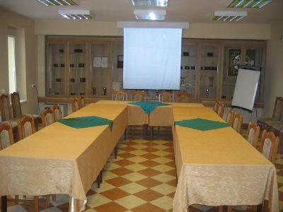 Sala szkoleniowo - komputerowa (Sala nr 3): 30 osób